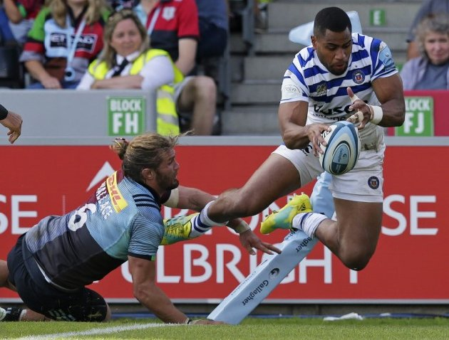 Joe Cokanasiga scoring for Barf