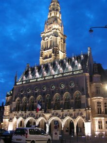 Hotel de Ville Arras by night