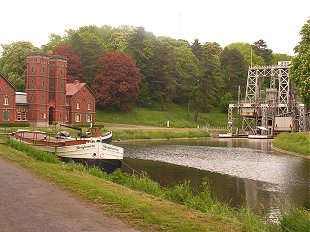 Lift 3 and the engine house at the Canal du Centre