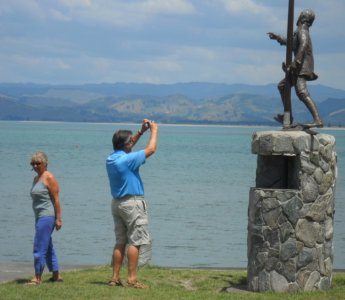 Young Nicks statue at Gisborne