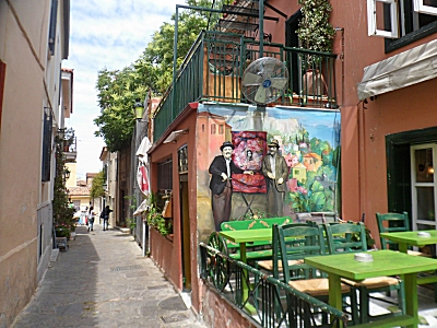 A taverna in the Plaka.
