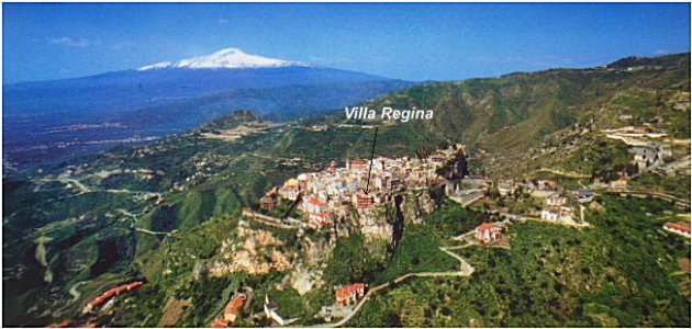 Aerial view of Castelmola locating Villa Regina.