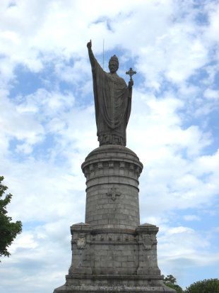 Statue of Pope Urban II at Chatillon