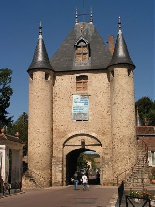 Fortified gate at Villeneuve