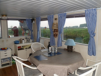 Harmonie wheelhouse with new curtains