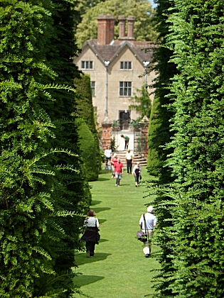 Packwood Hall Yew Garden